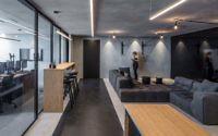 005-monochrome-office-space-tal-goldsmith-fish-design-studio