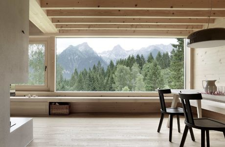 House In Bludenz By Architekten Innauer Matt