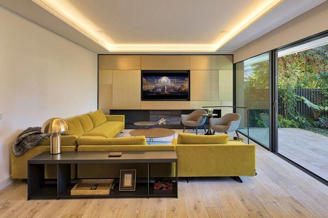 Urban Garden Residence in Spain