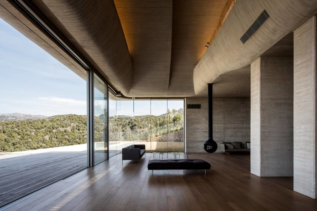 VR Villa by YTAA – Youssef Tohme Architects and Associates