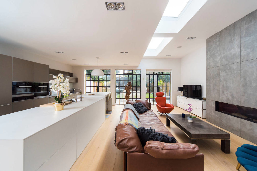 Central Chiswick Home by Hamilton King