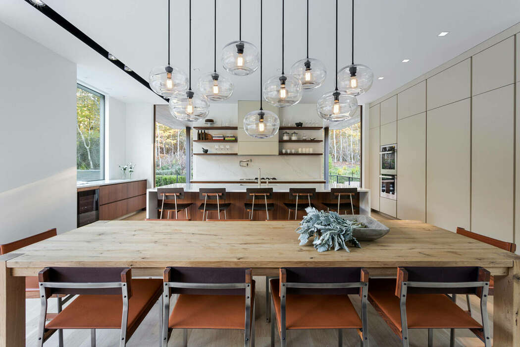Old Sag Harbor Road by Blaze Makoid Architecture