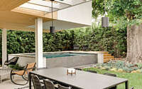 007-contemporary-pool-house-racing-green