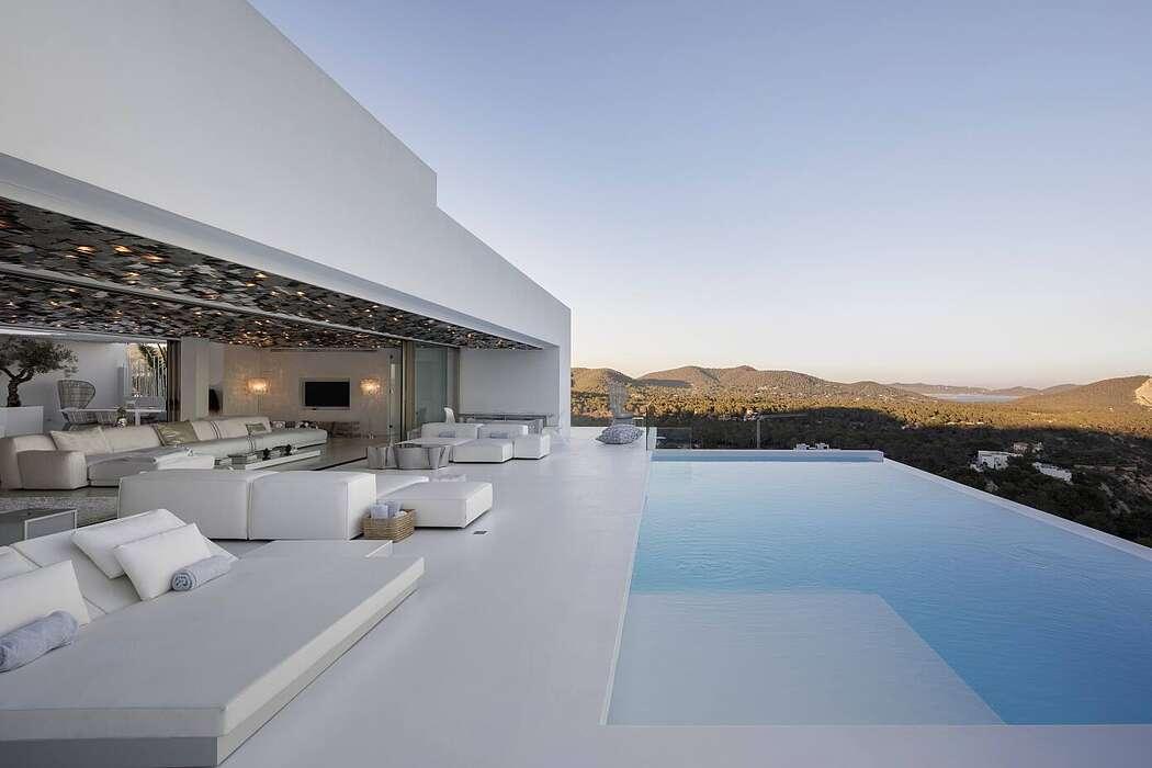 Ibiza Hills Residence by Metroarea