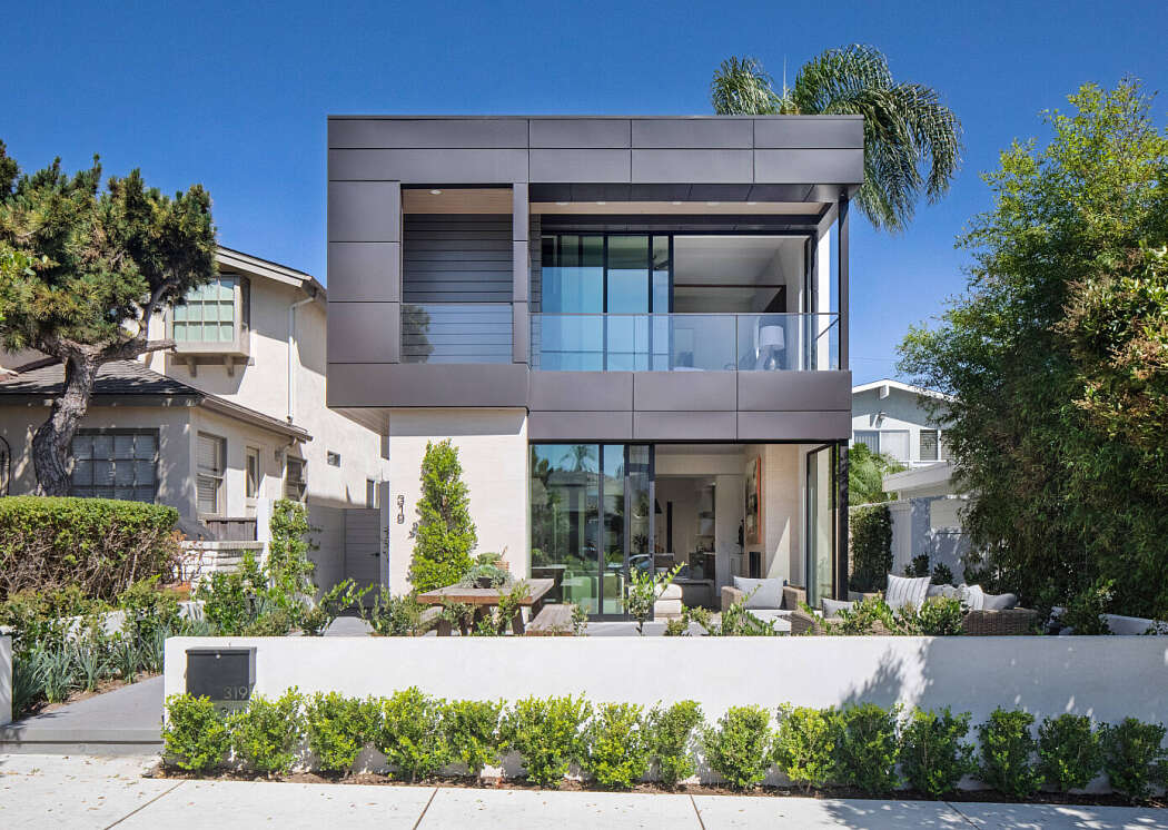 House in Newport Beach by Patterson Custom Homes - 1