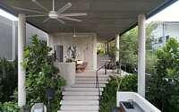 011-house-above-44-kasai-road-by-ipli-architects