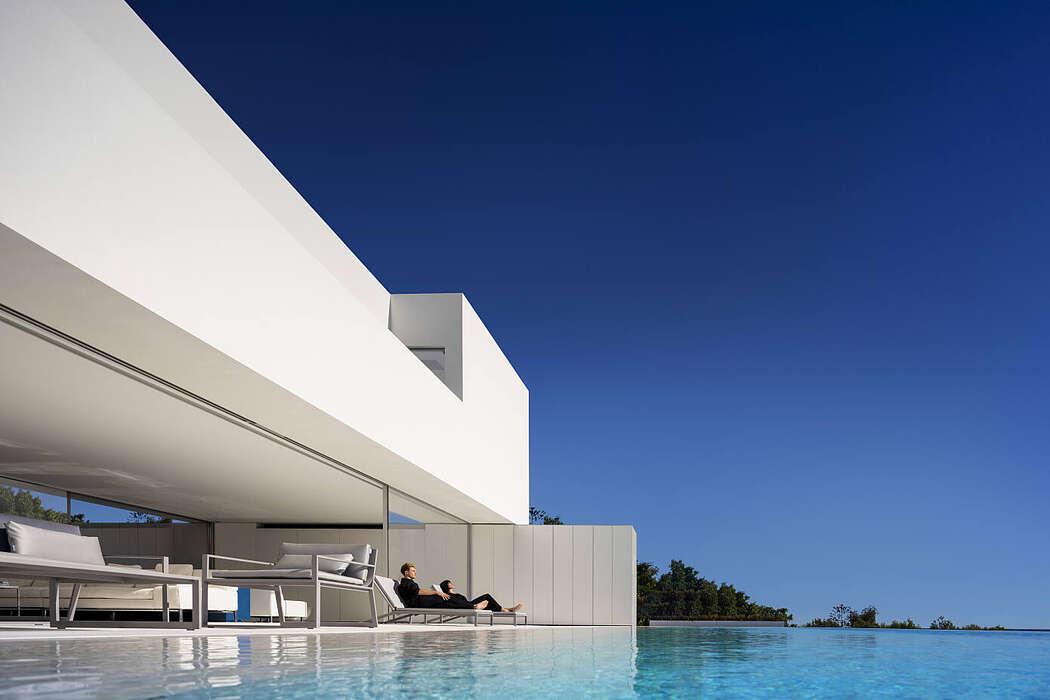 Santa Pola House by Fran Silvestre Arquitectos