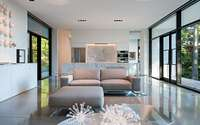 005-collectors-retreat-by-heliotrope-architects