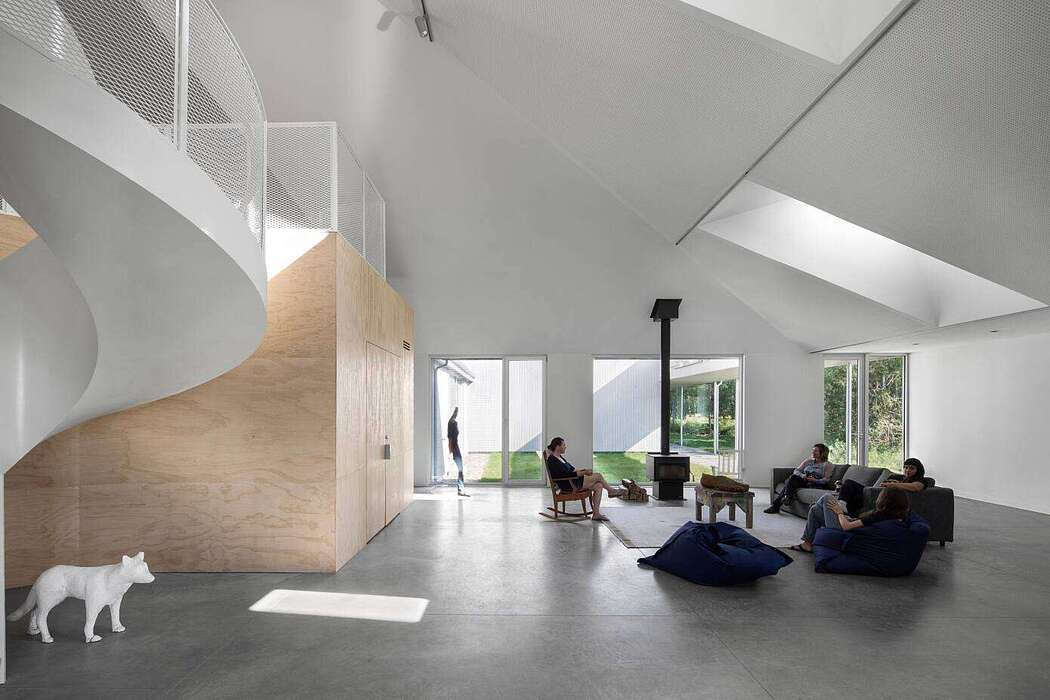 Artist Residence by Bourgeois / Lechasseur Architectes