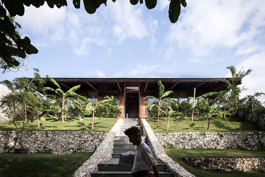 House Puri Bukit by Alexis Dornier