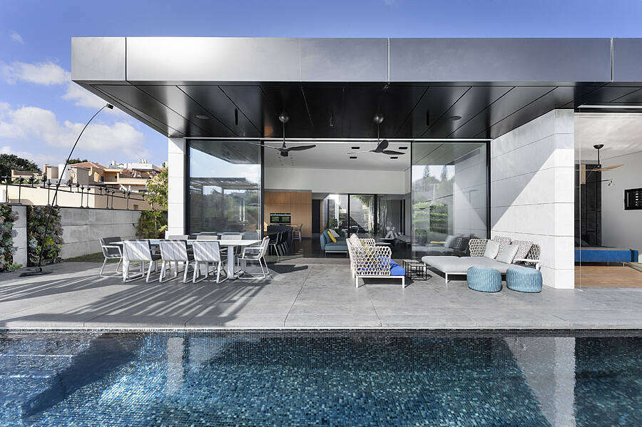 North Israel Home by Vstudio Architects