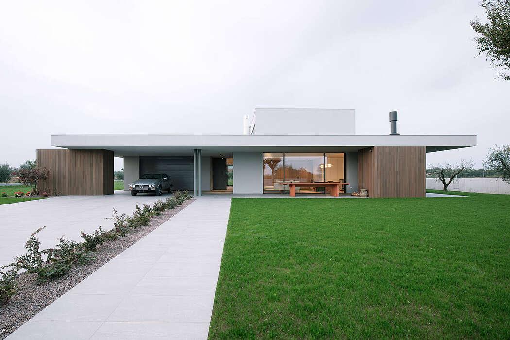House BB by Didonè Comacchio Architects