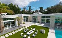 007-modern-home-crew-builders