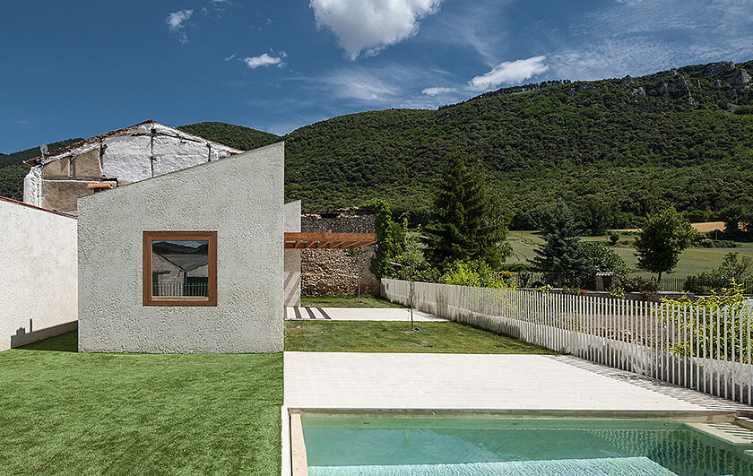 Casa S&J by Blur Arquitectura