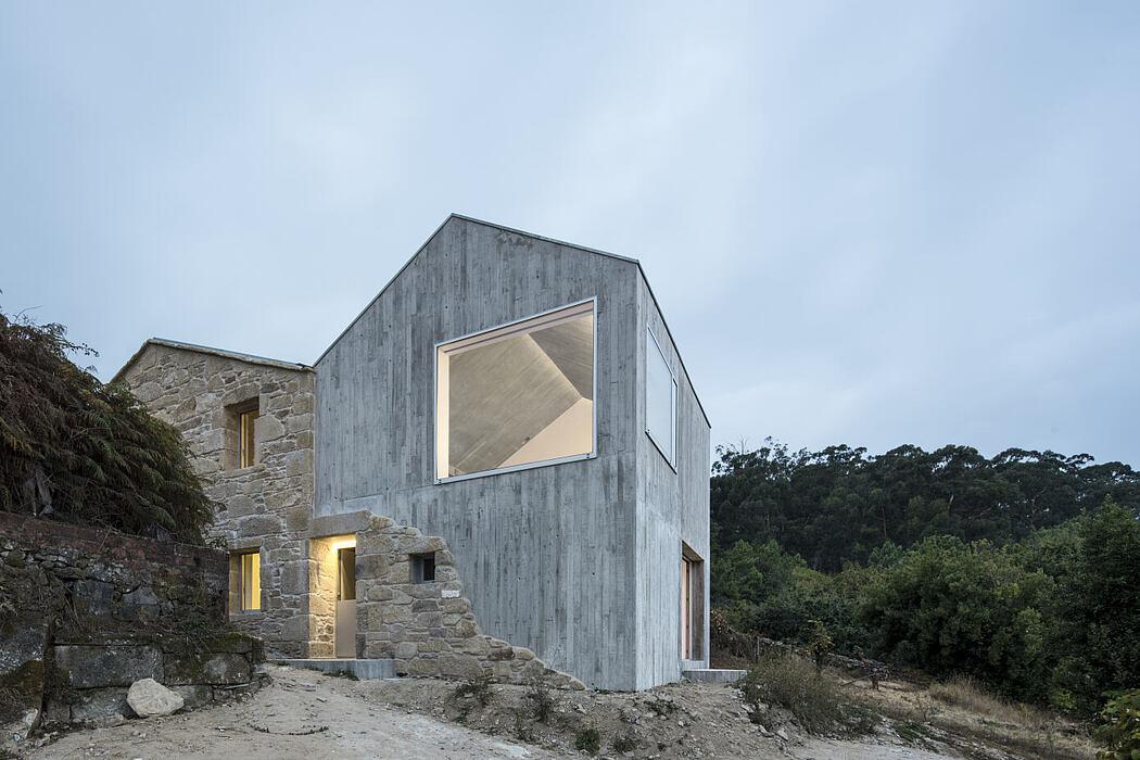 Rural House by Fuertespenedo Arquitectos