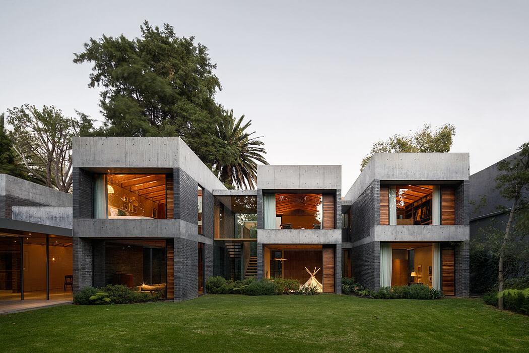CMR House by Estudio MMX