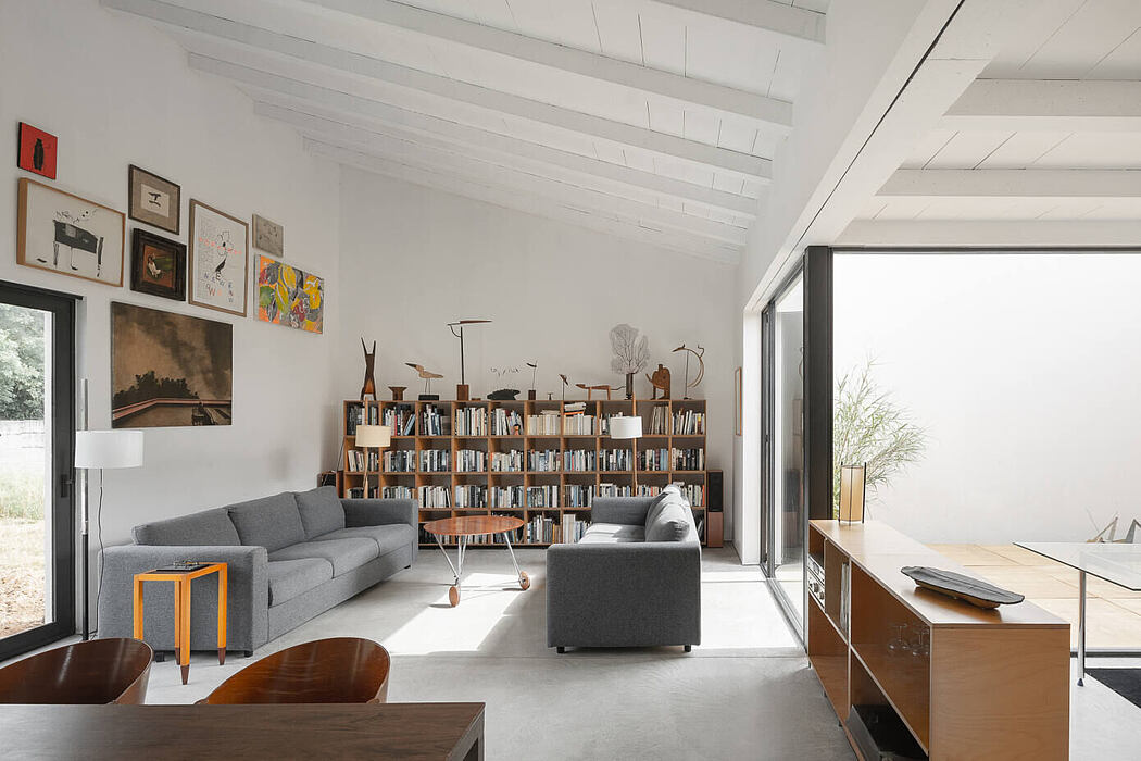 Regina House by OAB