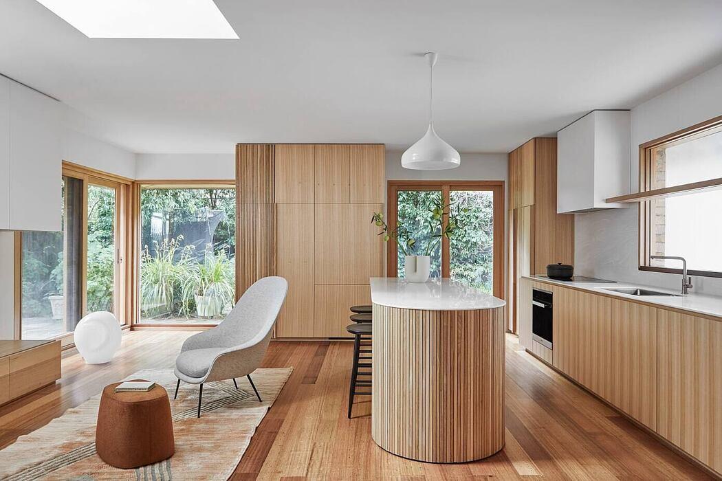 Toorak House by Melanie Beynon Ad