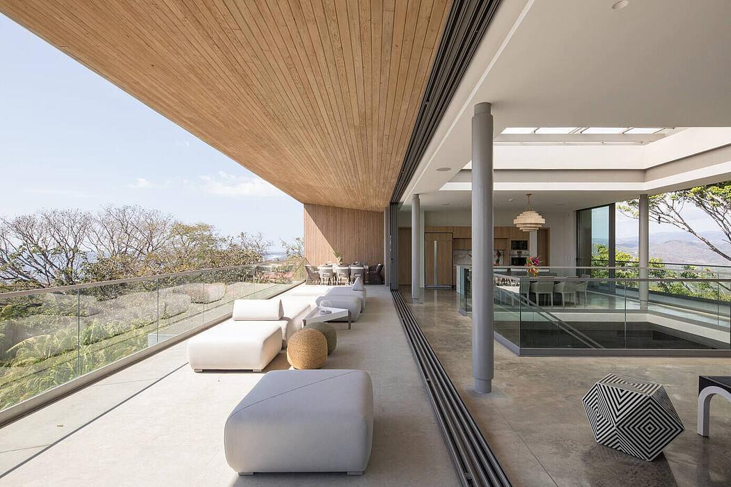 The Atrium House by Studio Saxe