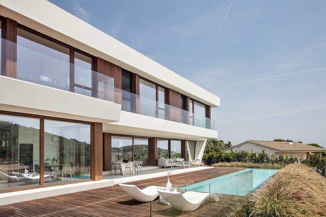 Panoramic House by On-A Architects