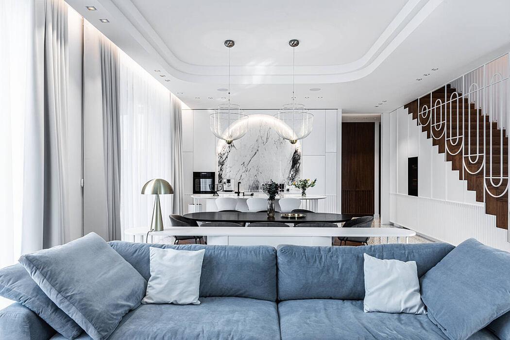 Home with a Spa by Dizaino Virtuvė