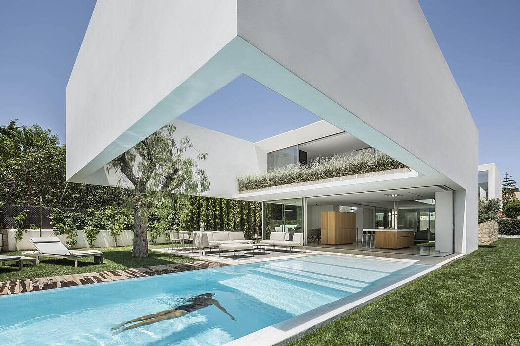 Three Trees House by Gallardo Llopis Arquitectos
